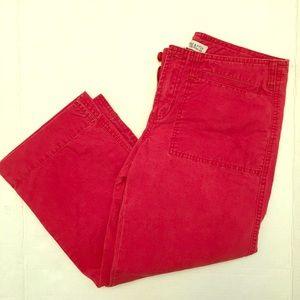 Pants - ⭐️5/$25 Abercrombie & Fitch red khaki Capri pants